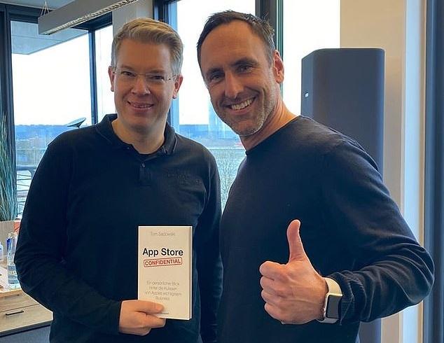 Apple quer banir livro sobre a App Store, escrito por ex-funcionário – Mundo Smart - mundosmart